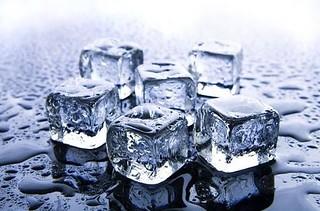 Cubetti di ghiaccio d'acqua