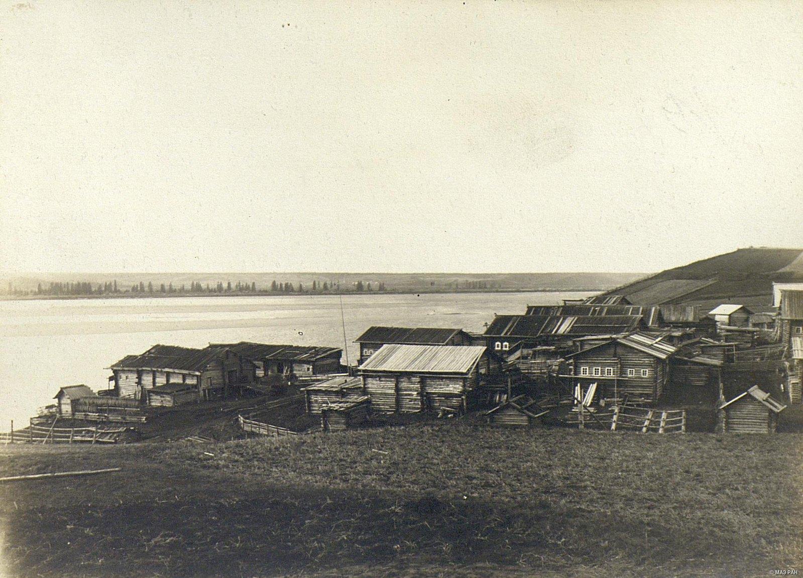 12. Пример расположения построек деревни