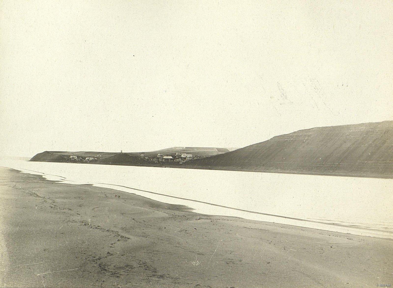 09. Общий характерный вид большого села на реке Мезень
