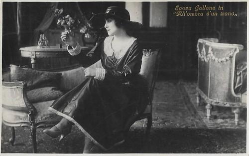 Soava Gallone in All'ombra di un trono (1921)