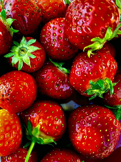 Jordbærene - - Strawberries