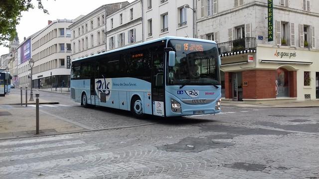 Iveco Crossway Line €6 n°030 - Rapides Gâtinais - Réseau RDS (Ligne 15)