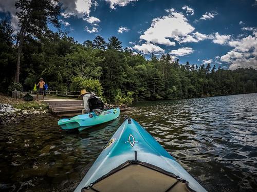 copyright2020thomasetaylor estatoecreek lakekeowee pickenscounty southcarolina kayaking paddling sunset unitedstatesofamerica