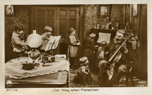 Belle Bennett and Emil Jannings in The Way of All Flesh (1927)