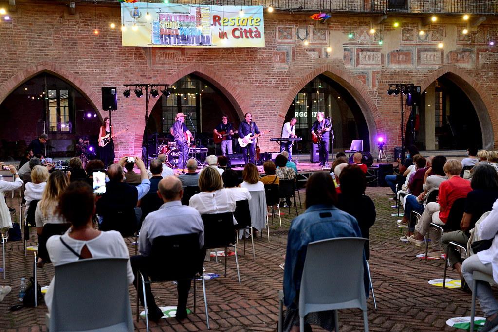 RESTATE IN CITTA' - IN OCCASIONE DELLA FESTA DELLA MUSICA SERATA CON I DIK DIK  21 GIUGNO 2020  Foto: A. Artusa