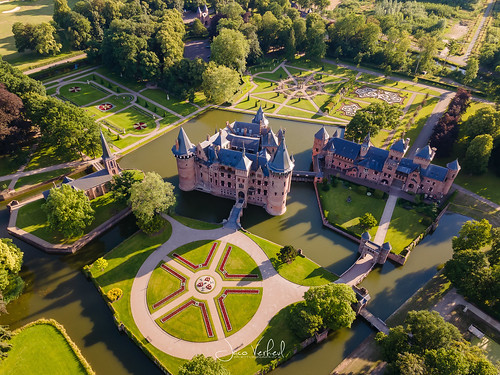 haarzuilens utrecht nederland castle kateel drone sunset garden symetry landscape aerial
