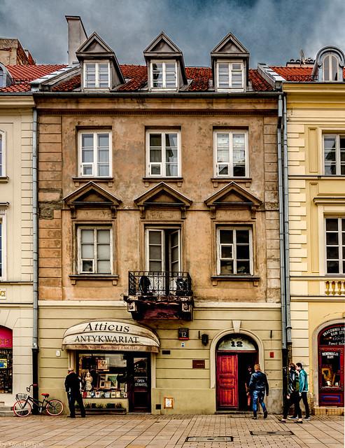 Shops and people on Krakowskie Przedmieście street, Warsaw, Poland.  361-Edita