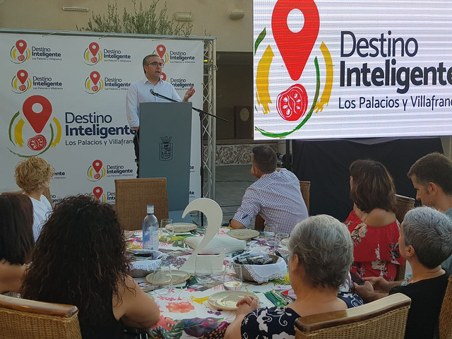 Alcalde Los Palacios y V. presenta Destino Inteligente