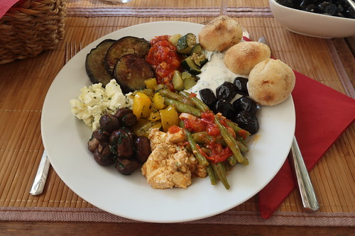 Mediterrane Leckereien bzw. Antipasti (mein Teller)