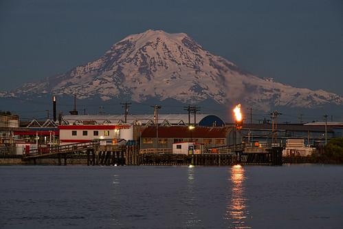Mt Rainier, shot from the Thea Foss Waterway Park, Tacoma, WA