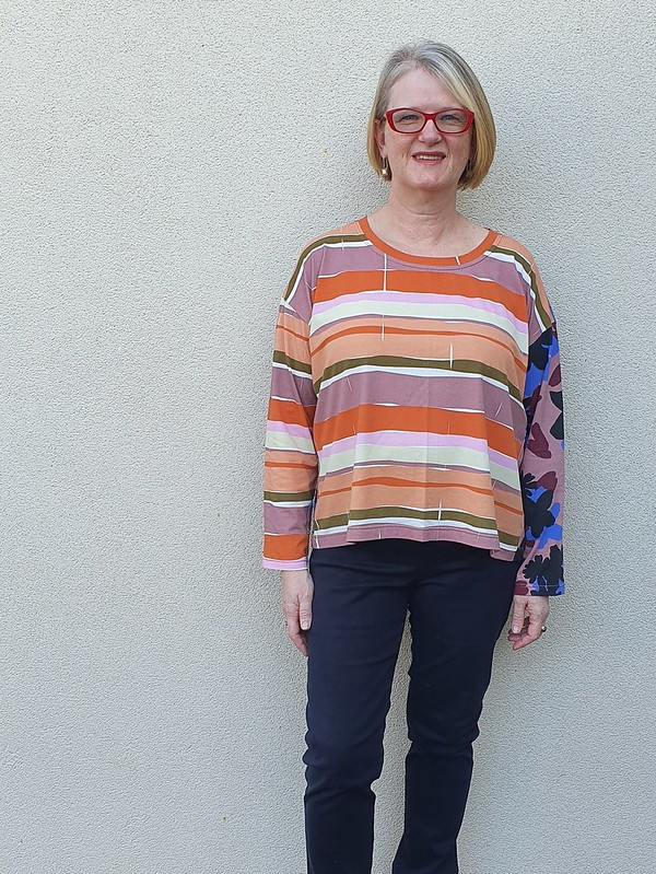 Grainline Studio Hemlock tee in Obus knit
