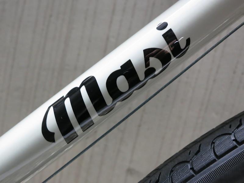 Masi Milano 8s LGrey Logo
