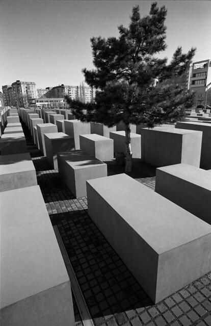 Berlijn 2012- 05 nr35F. Berlijn 25 T/M 28-02-2012. Holocaustmonument, Holocaust Denkmaal  ONLY PERSONAL COMMENTS NO LOGOS, THANK YO FOR YOUR UNDERSTANDING. © RESPECT THE COPY RICHT.