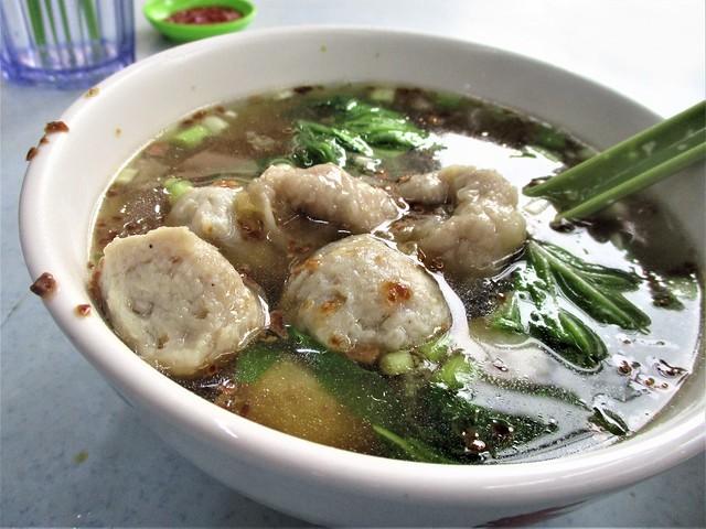 A-PLUS pian sip & fish balls soup