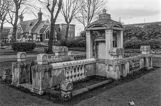 Sir John Soane, memorial, Old St Pancras Burial Ground, Pancras Rd, Camden, 1987 87-1d-15_2400