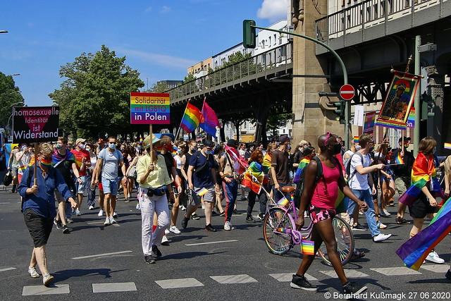 Europa, Deutschland, Berlin, Tempelhof-Schöneberg, Schöneberg, Bülowstraße Ecke Potsdamer Straße, Berlin CSD Pride 2020