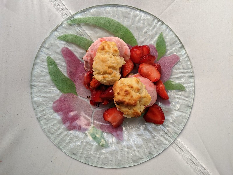 5-Ingredient Strawberry Shortcakes