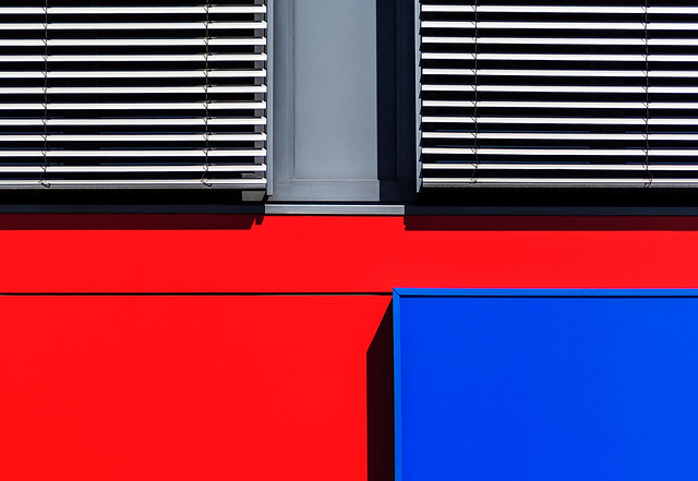 minimal graphy red-blue
