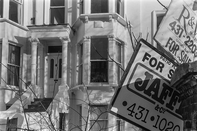 Haverstock Hill, Chalk Farm, Camden, 1987 87-1a-12_2400