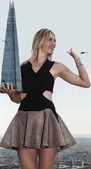 Maria Sharapova giantess