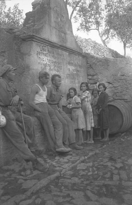Dąbrowszczacy i hiszpańskie dzieci