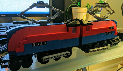 Lego Land Railway 9028 (streamlined 1930s electric loco) - updated