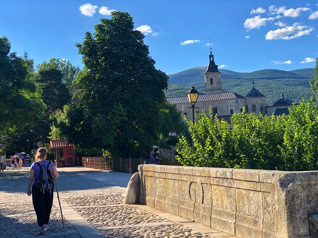 Monasterio de El Paular desde el puente del perdón en Rascafría (Madrid)