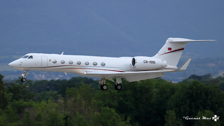 FRA: Avions VIP, Liaison & ECM - Page 24 50053480292_b6112b824e_o_d