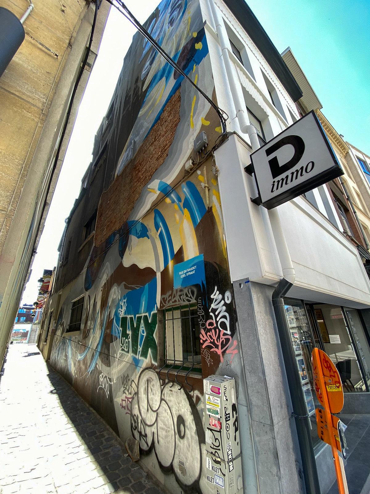 Mural by Artist Eyes-B