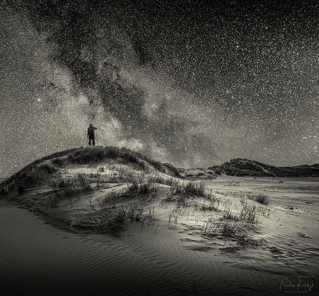 Dunes and Milky Way