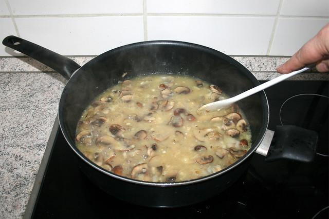 29 - Mehl klumpenfrei verrühren / Stir in flour nub-free