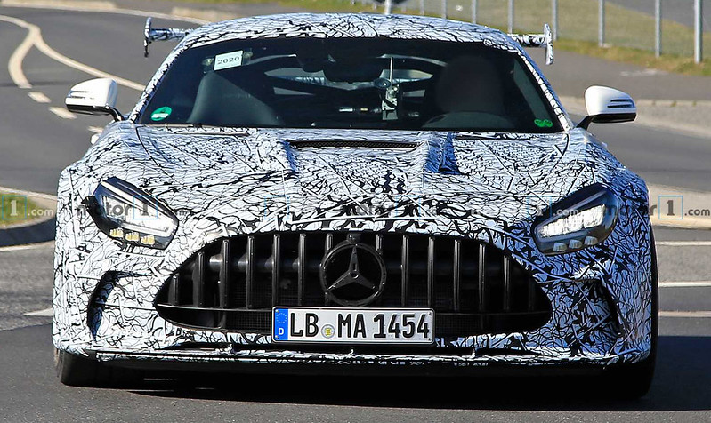 2021-mercedes-amg-gt-black-series-spy-photo