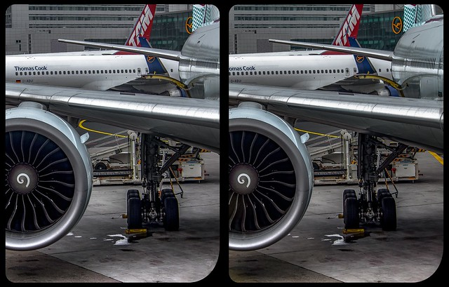 Airport impressions 3-D / CrossView / Stereoscopy