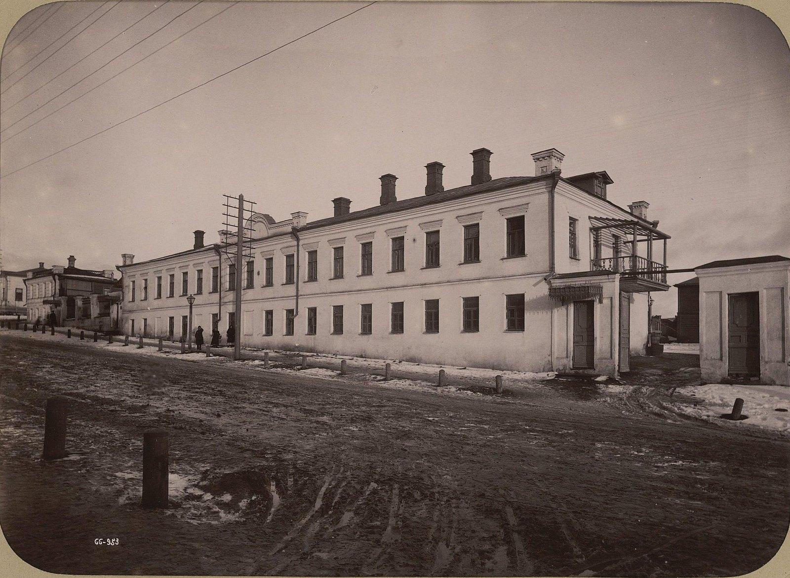 04. Жилой дом напротив фабрики