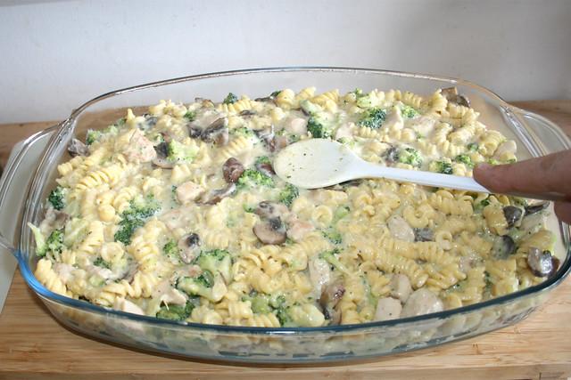 40 - Nudeln glatt streichen / Flatten noodles