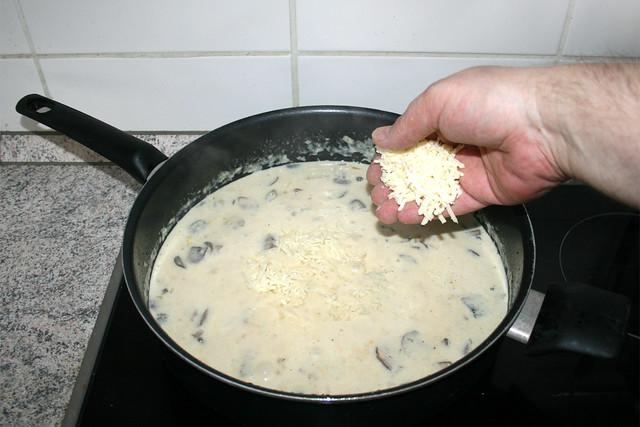 34 - Mozzarella hinzufügen / Add mozzarella