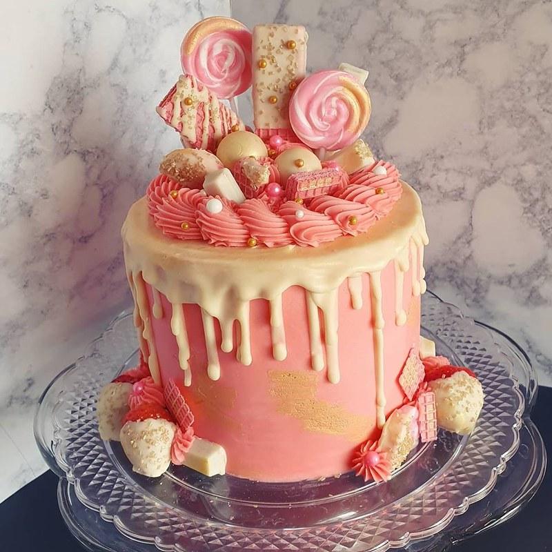 Cake by Christina Nelmes of Christina's Cakes