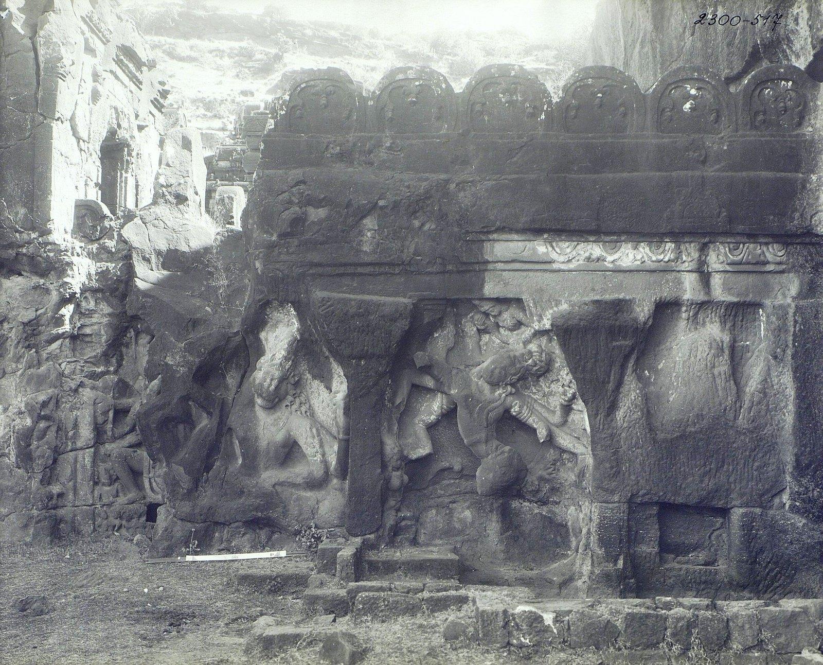 Храм Кайласа в Эллоре (рельефы внутри первой пещеры) (5)