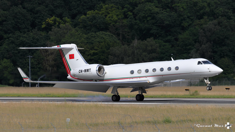 FRA: Avions VIP, Liaison & ECM - Page 24 50054857778_94eff1402f_o_d