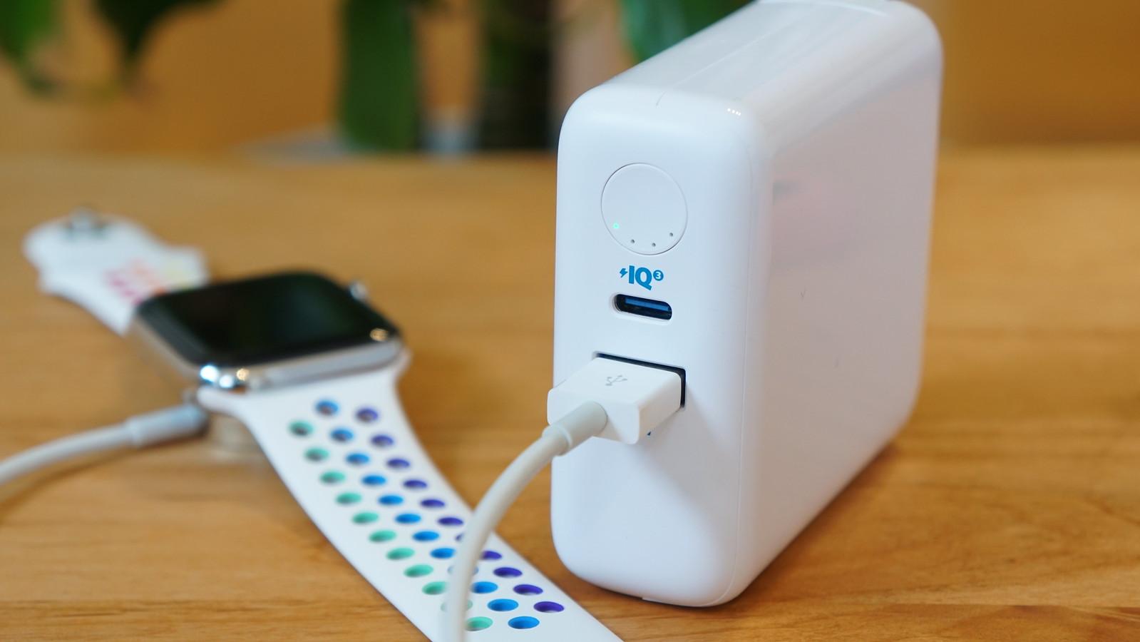 ボタンを長押しすると低電流モードに移行する