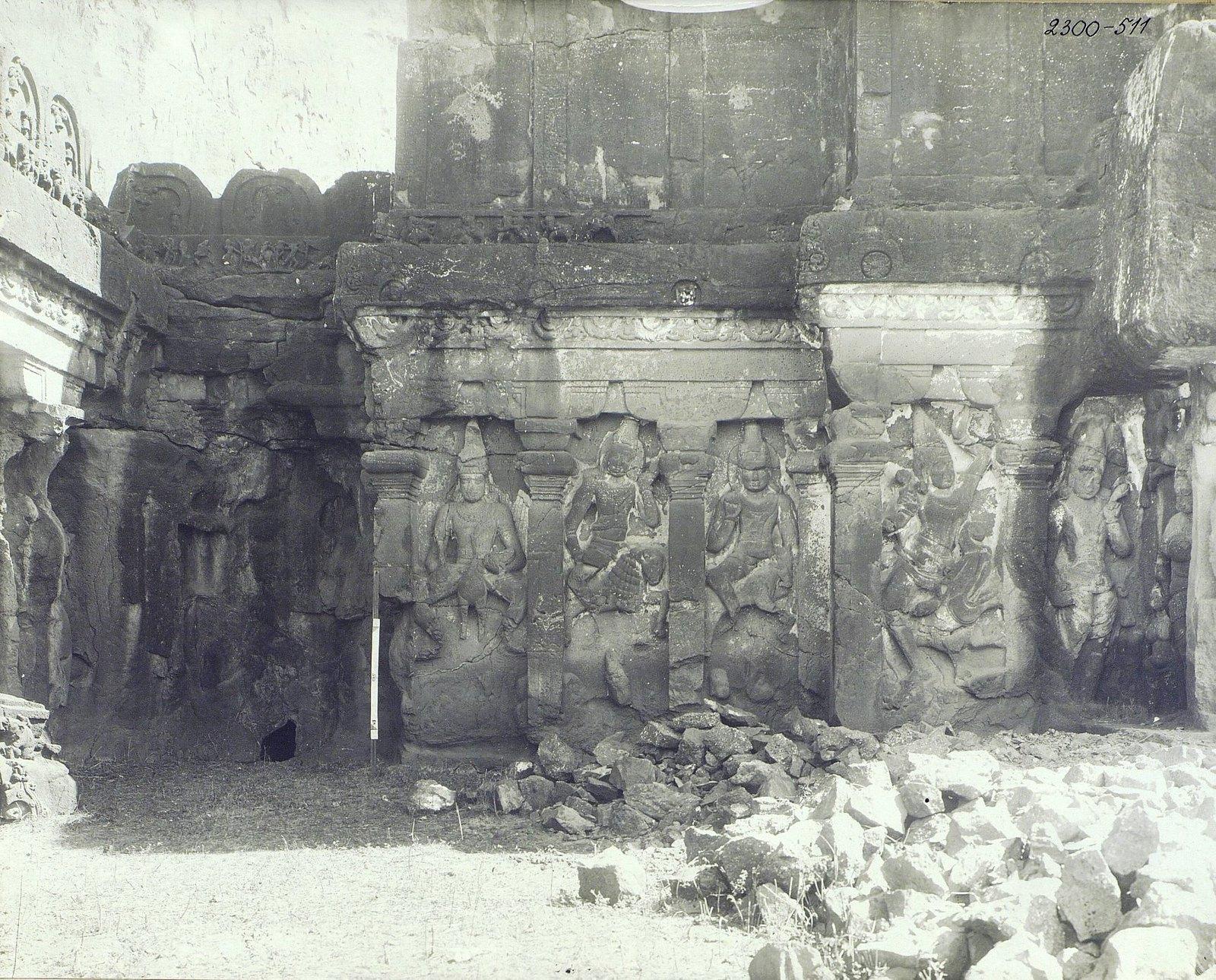 Храм Кайласа в Эллоре (рельефы внутри первой пещеры) (7)