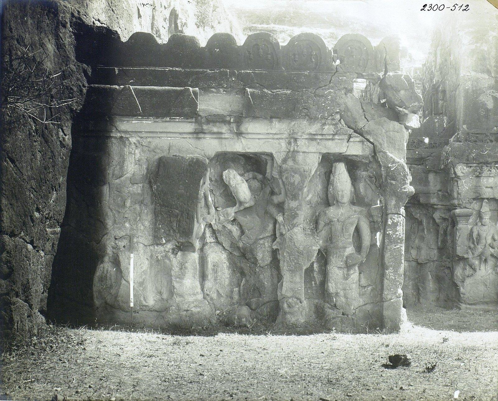 Храм Кайласа в Эллоре (рельефы внутри первой пещеры) (6)