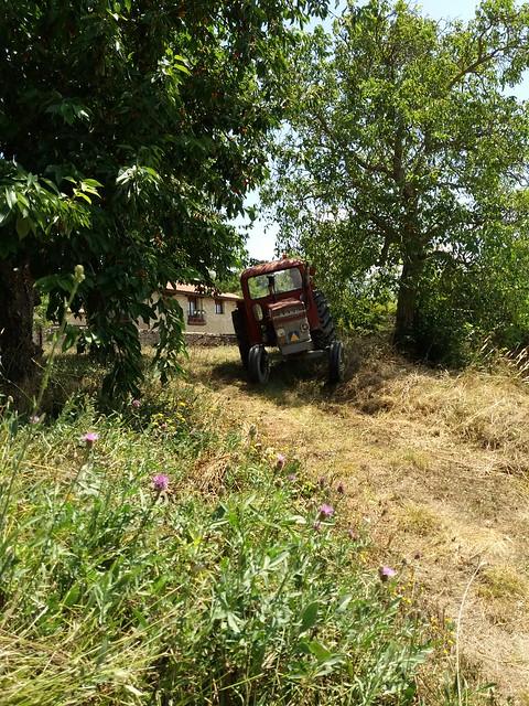 Aititeren traktorea