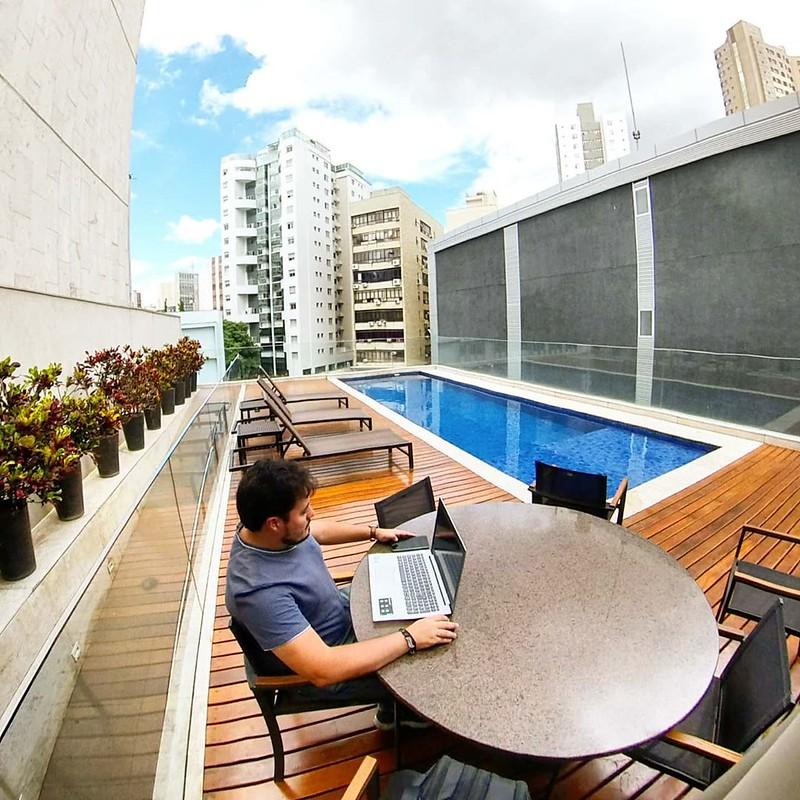 vinicius-viper-trabalho-remoto-marketing-viagem-hotel-lifestyle