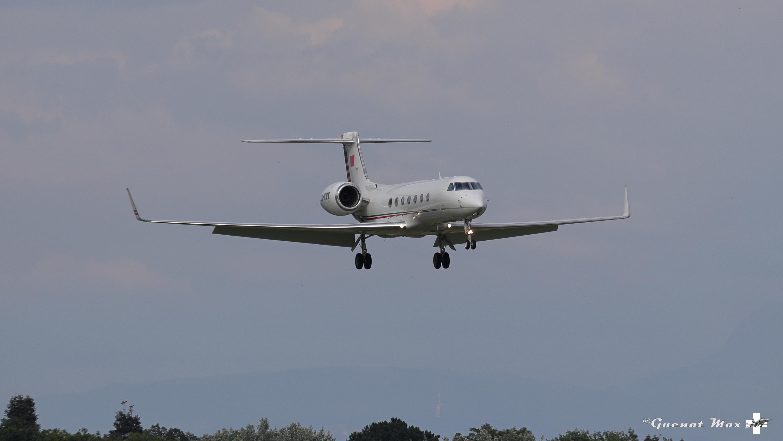 FRA: Avions VIP, Liaison & ECM - Page 24 50055704637_2e6236b49f_o_d