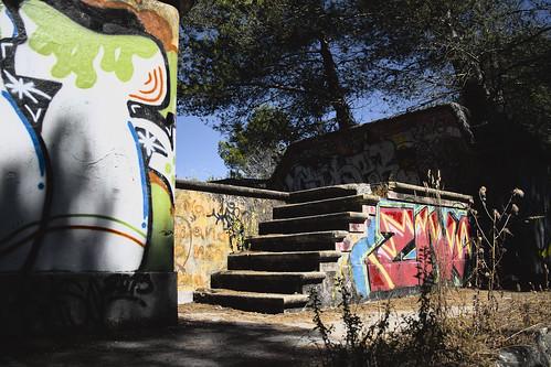 Sunken fort #urbex #almada #streetart #portugal