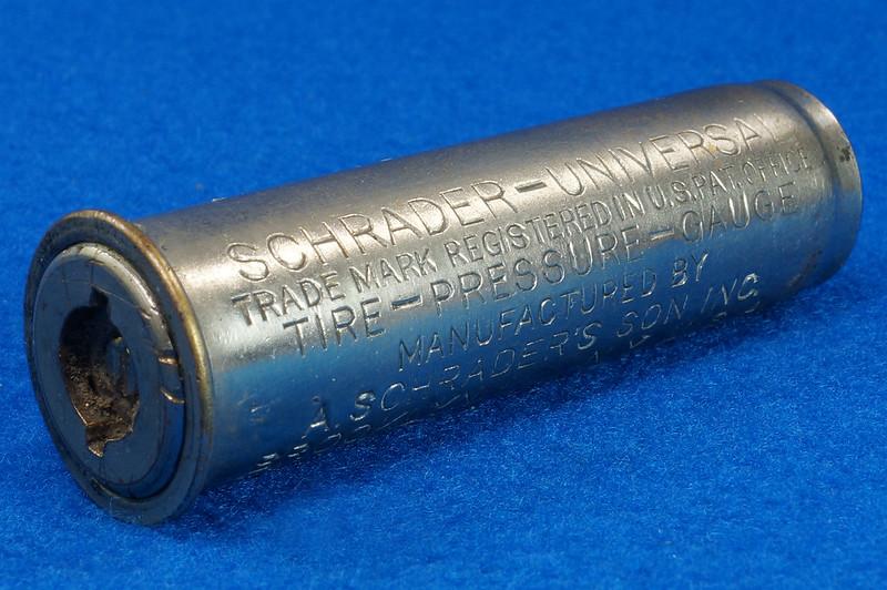 RD18799 2 Antique Schrader Balloon Tire Pressure Gauges Patented 1909 & 1923 DSC08478