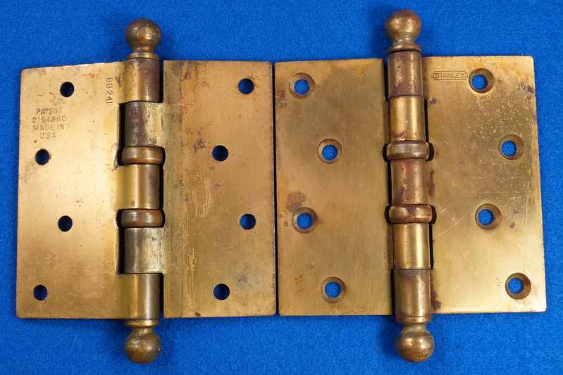 RD17325 2 Vintage Stanley Brass Plated Cannon Ball Tip Door Hinges 4 X 4 Pat. 2154860 BB241 DSC08099