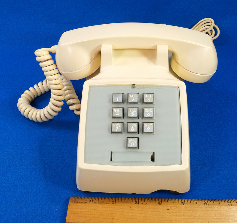 RD21587 RARE 10 Button 1968 1500D Western Electric Telephone with G3 Handset DSC08442
