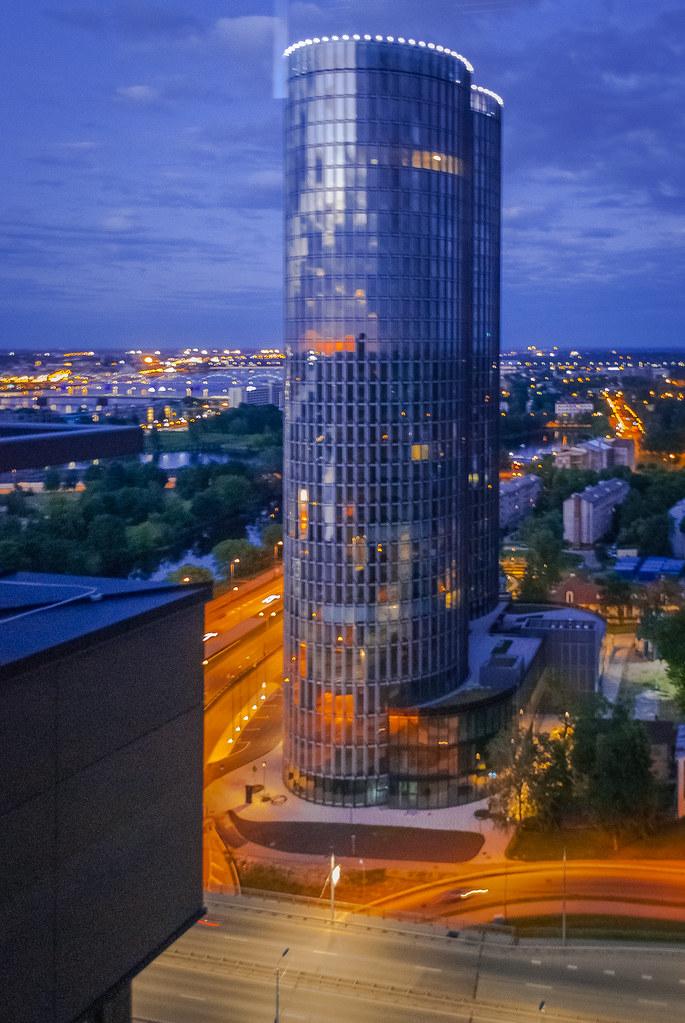Impressive building/blue hour 23:28:04 DSC_6325